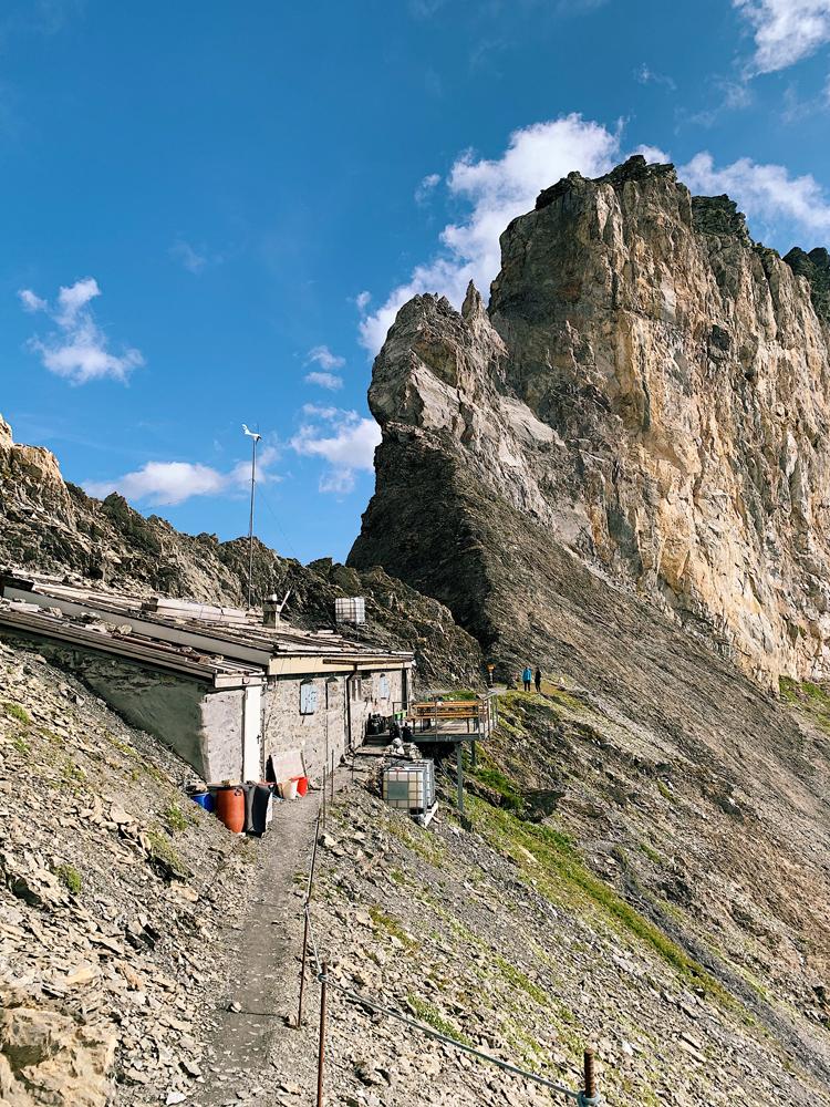 LAAX-Sommer-Wandern-Naturellymichaela_1-12 Sommer in Graubünden – Natur, Abenteuer & Greenstyle in der schönsten Bergregion