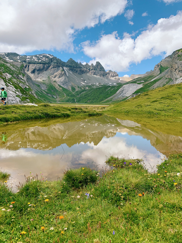 LAAX-Sommer-Wandern-Naturellymichaela_13 Summer in Grisons: Nature, adventure & Greenstyle in the most beautiful mountain region