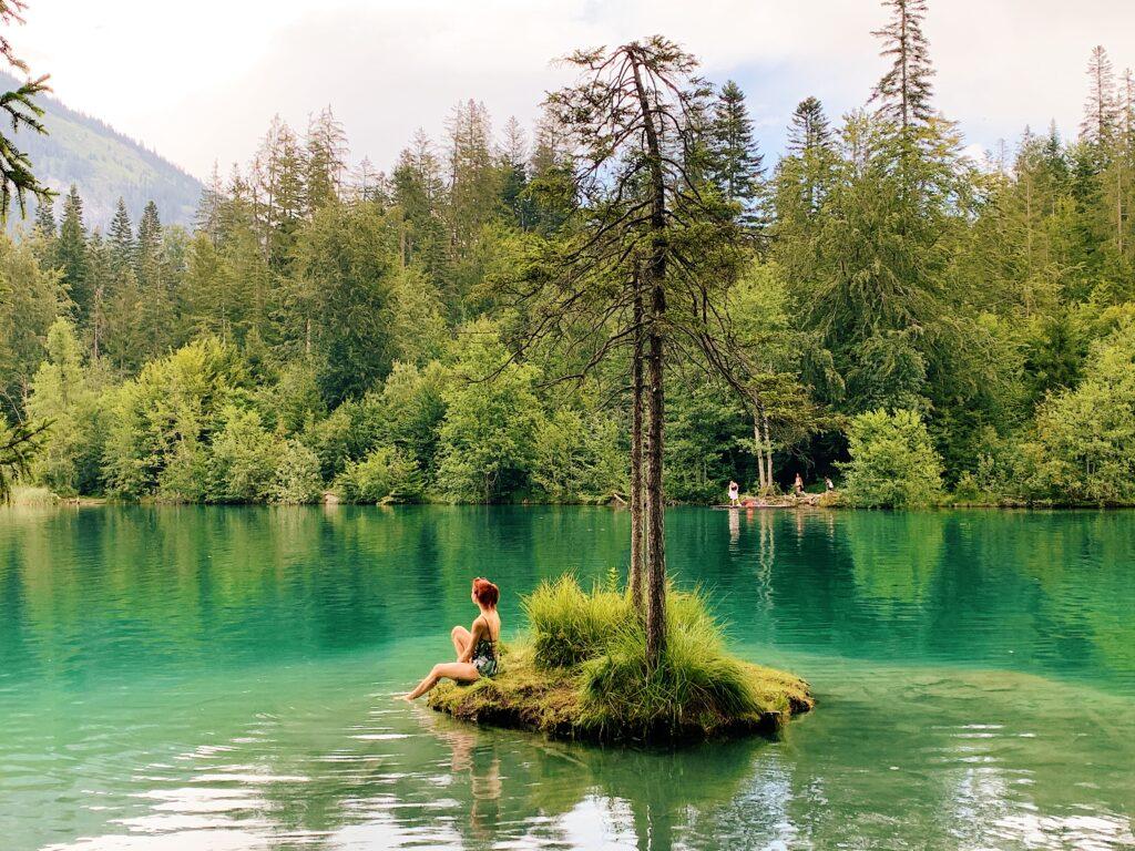 LAAX-Sommer-Wandern-Naturellymichaela_16-1-1024x768 Sommer in Graubünden – Natur, Abenteuer & Greenstyle in der schönsten Bergregion
