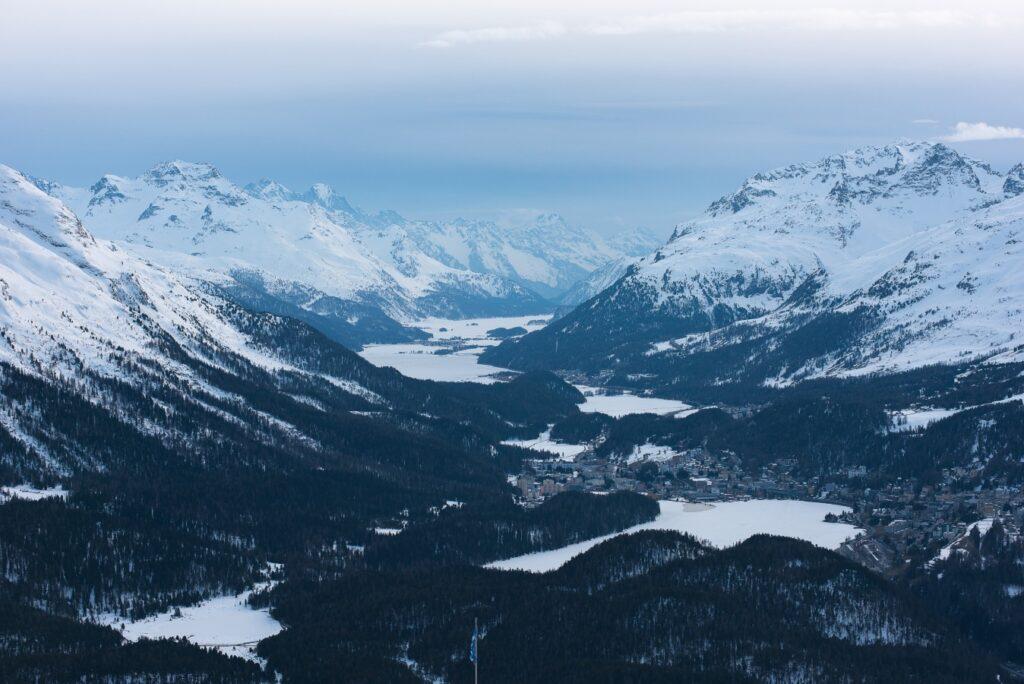 aussicht-estm-muottas-muragl-copyright-estm-esm1302_1-1024x684 Winterwunderland Engadin - 5 einfach und schöne Winterspaziergänge